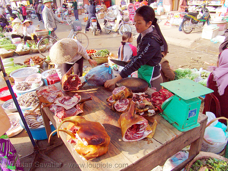 dog meat shop - thịt chó - vietnam, asian woman, asian women, butcher, carcass, dead dogs, dog meat, food dog, lang sơn, meat market, paws, raw meat, street market